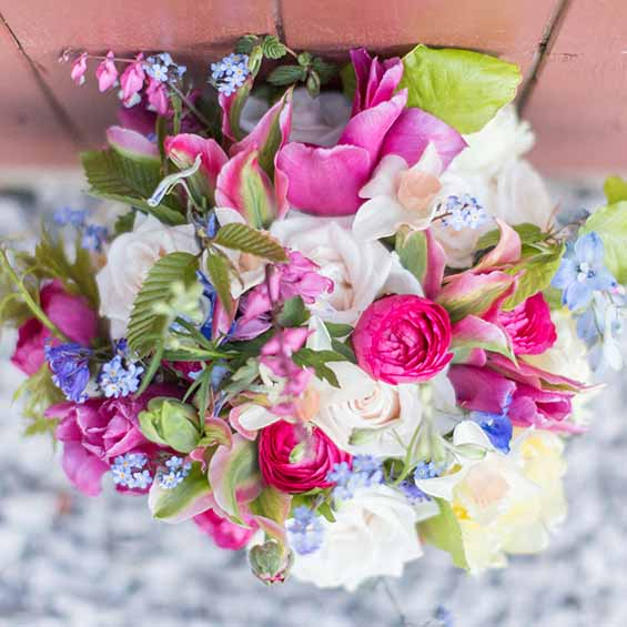Cherfold Flowers | Bright Wedding Photographer | Philippa Sian Photography